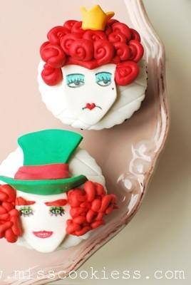 alice cupcake