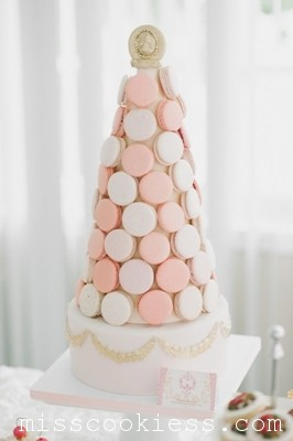 french-macaron-tower-wedding-cake